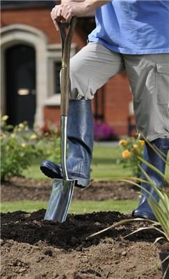 Garden Sheds NZ Joseph-Bentley-Spade